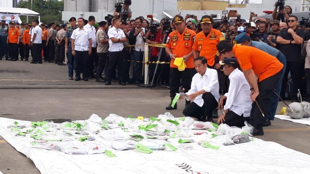 momen Jokowi ke posko Lion Air  © 2018 brilio.net