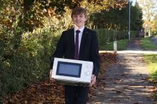 Bawa microwave ke sekolah, alasan pelajar ini tak disangka