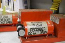 9 Fakta black box, kotak oranye yang dicari saat kecelakaan pesawat