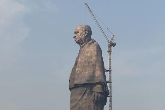 Patung setinggi 182 meter ini habiskan dana Rp 6 miliar, wow!
