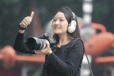 Sandriani Permani, fotografer wanita di balik foto epik pesawat TNI AU