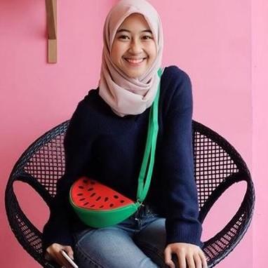 10 Gaya simpel Adiba Khanza, putri Umi Pipik yang modis