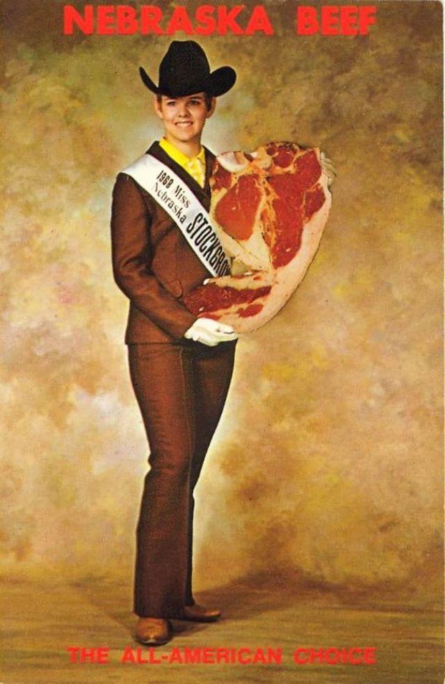 ratu kecantikan bertema makanan © vintag.es