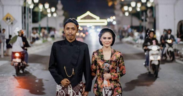11 Potret prewedding Mas Pur 'Tukang Ojek Pengkolan' & Dwinda