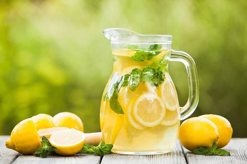 25 Cara mengecilkan perut yang nggak ribet dan terbukti ampuh istimewa
