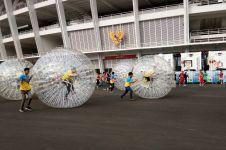 Lari dengan zorb ball, cara baru olahraga sehat dan seru