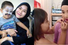 10 Aksi kocak tiga anak Zaskia Adya Mecca main makeup, bikin gemes