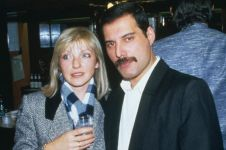 10 Foto wanita yang jadi cinta sejati Freddie Mercury