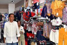 10 Momen Jokowi belanja untuk Jan Ethes & Sedah Mirah di Surabaya