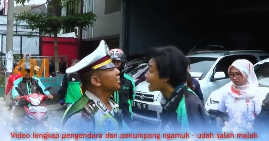 ditilang ngamuk © YouTube