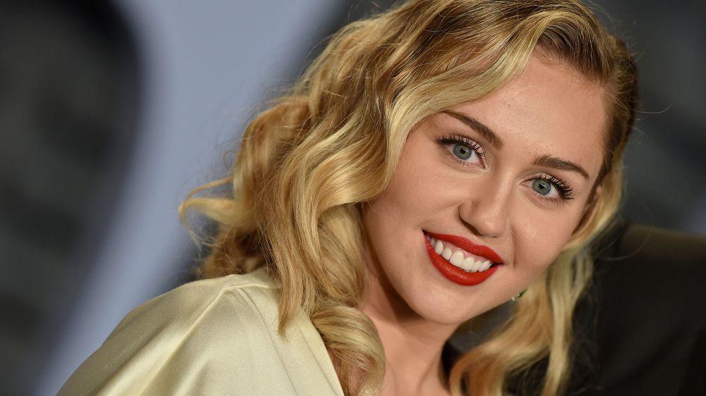 10 Wanita mantan kekasih Nick Jonas, pacar pertama Miley Cyrus istimewa
