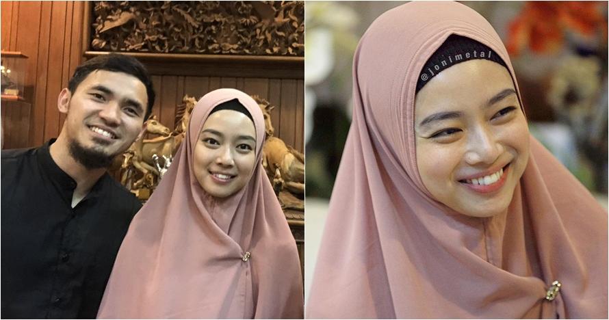 5 Potret ratu wushu Lindswell Kwok kenakan hijab, makin anggun