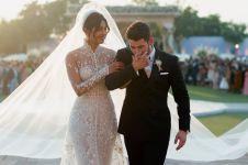 7 Momen pemberkatan Priyanka Chopra & Nick Jonas, gaunnya indah