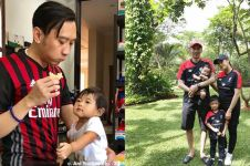 11 Potret Ibas Yudhoyono pakai baju lengan pendek