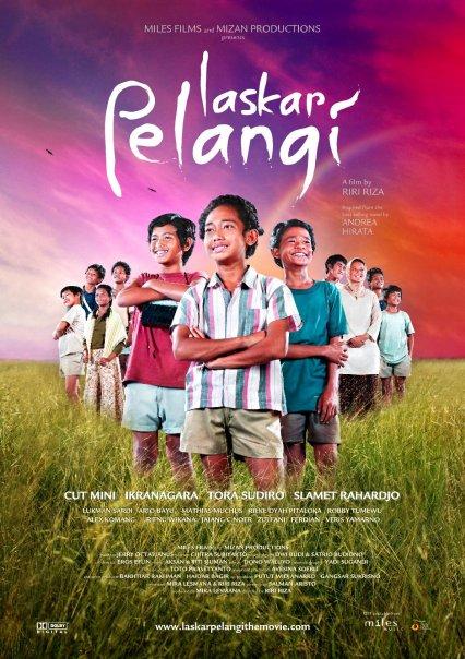 13 Film Indonesia terlaris yang diadopsi novel, ada novelnya Hanum Rais istimewa