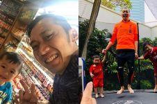 12 Momen Ibas Yudhoyono saat asuh anak, family man banget