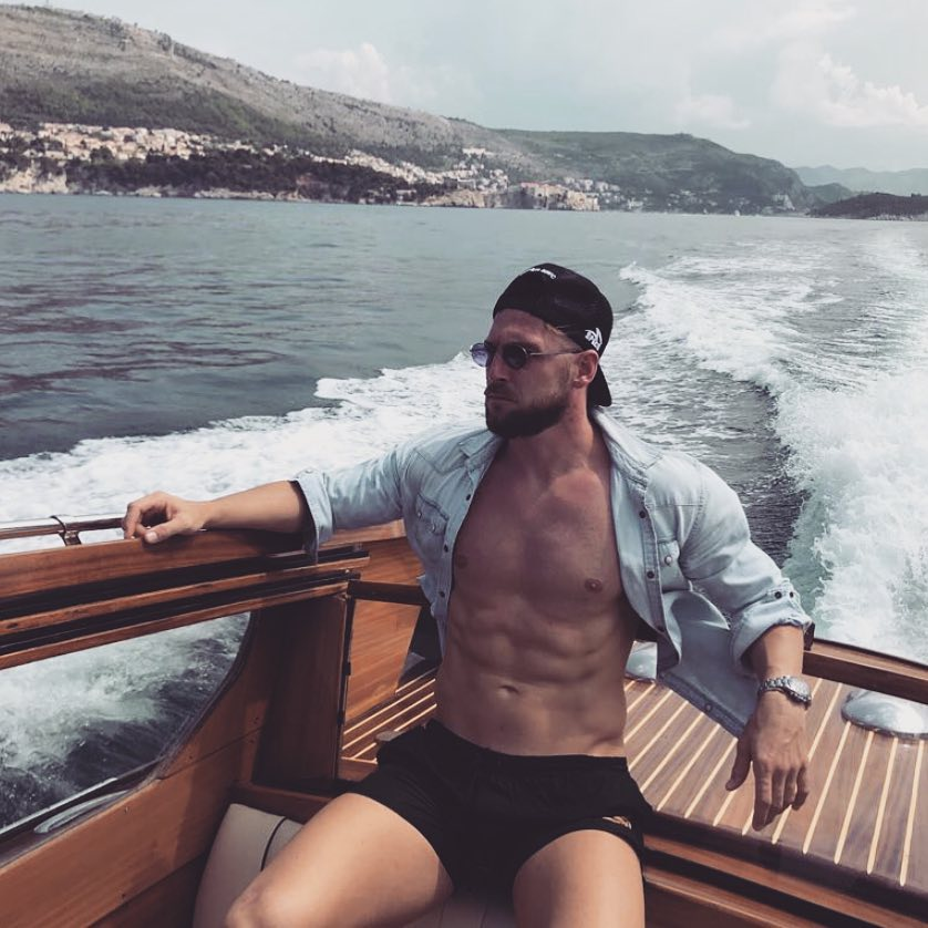 Marko Simic luar lapangan © 2018 Instagram