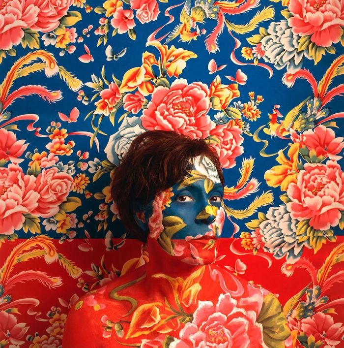 kamuflase Cecilia Paredes Art © Facebook/ Cecilia Paredes Art