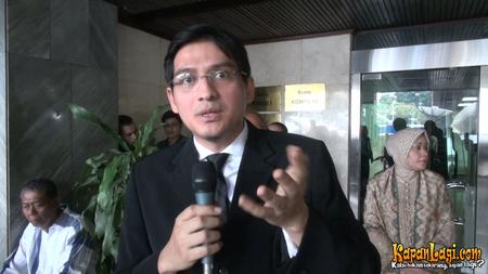 10 Caleg seleb pindah partai di Pileg 2019, usaha menuju Senayan © 2018 brilio.net