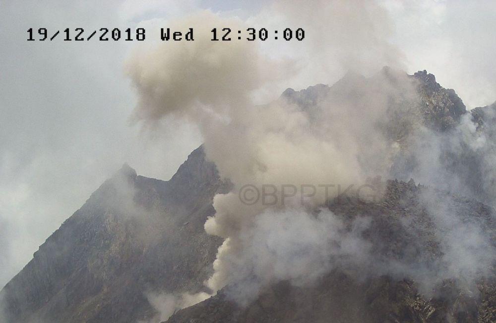 guguran lava merapi © 2018 berbagai sumber