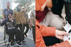 9 Potret Risma pantau amblesnya jalan Gubeng pakai kursi roda