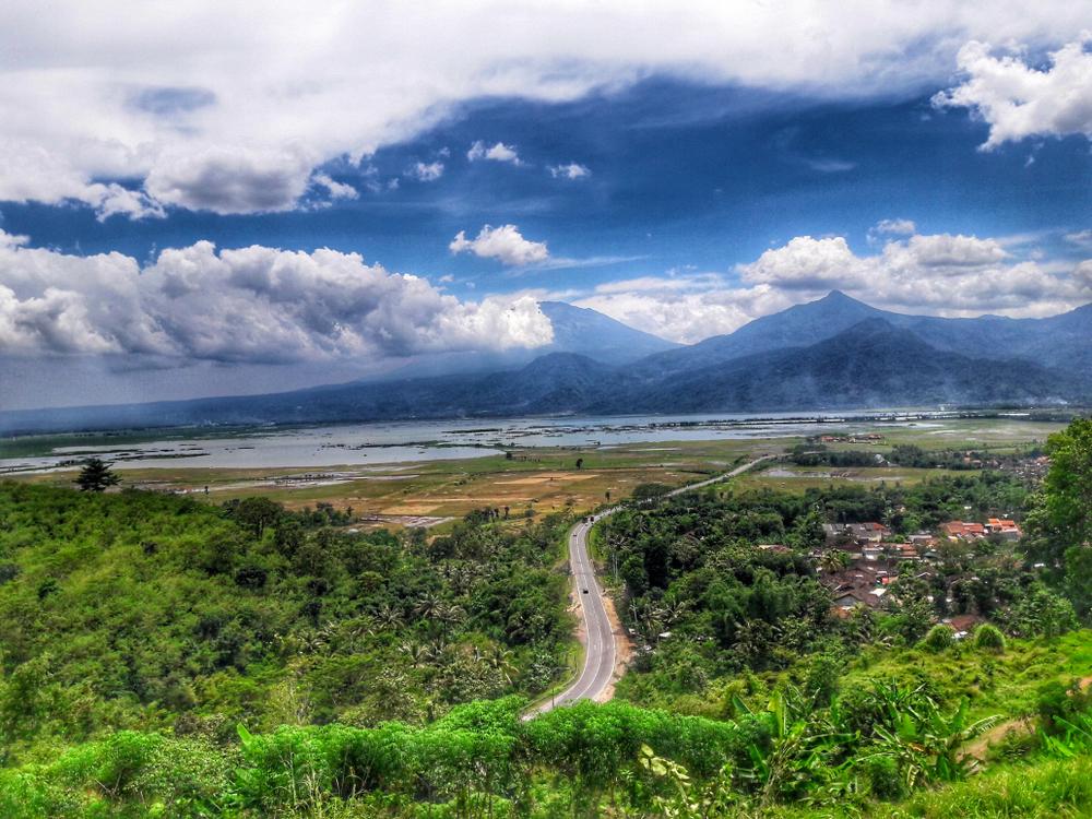 wisata tahun baru Semarang berbagai sumber