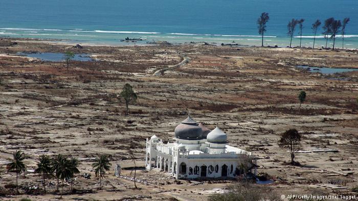 tsunami besar sepanjang sejarah © 2018 brilio.net berbagai sumber