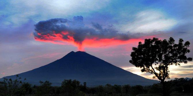 5 Erupsi gunung Indonesia pengaruhi iklim dunia, termasuk Krakatau