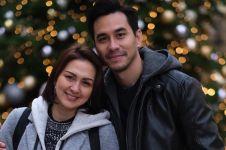 12 Tahun menikah, ini ucapan romantis Darius Sinathrya ke Donna