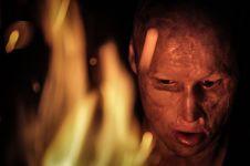 Kisah pria dulu dilempar ayahnya ke api usai rayakan tahun baru