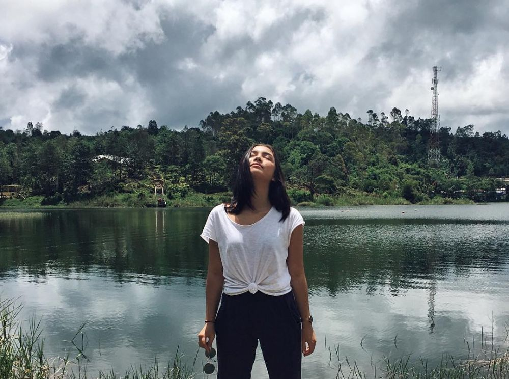 gaya traveling angela gilsha © Instagram/@angelagilsha