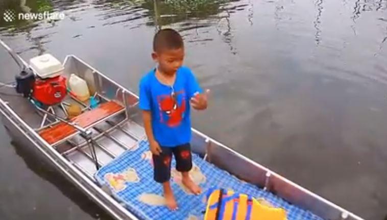 anak naik perahu istimewa