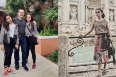 11 Gaya Mayangsari liburan di luar negeri, bak ABG hingga glamor