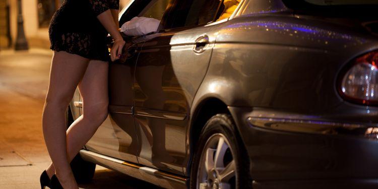 Heboh prostitusi artis, VA jadi tersangka atau hanya korban?