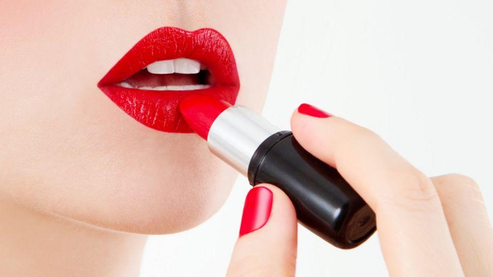 Warna lipstik istimewa