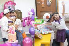 10 Momen ulang tahun Gempi, Gading & Gisel kompak rayakan bersama