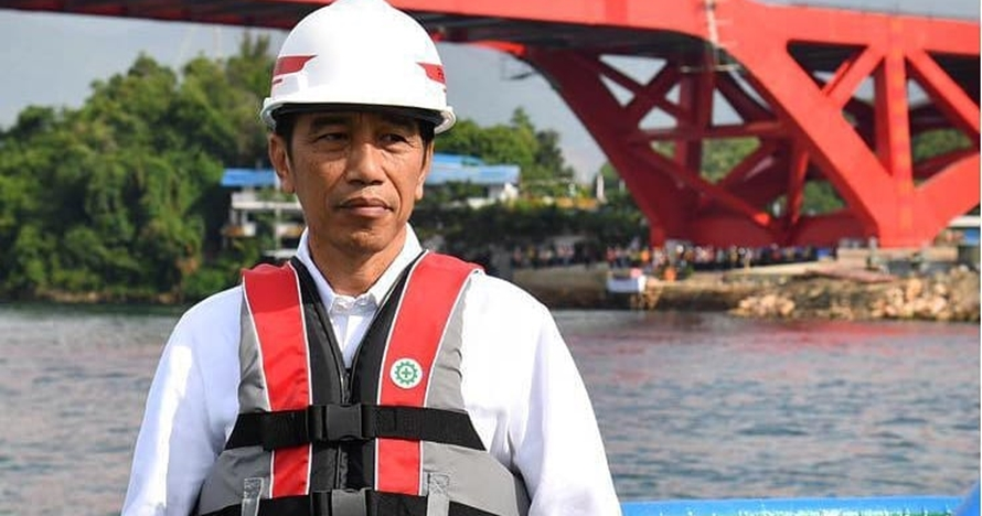 Ini respons Jokowi soal Prabowo sebut TNI lemah & BUMN bangkrut