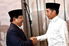8 Momen kedekatan Jokowi-Prabowo di balik layar debat capres