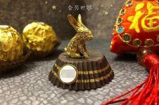 12 Karya seni dari bungkus cokelat ini detailnya bikin takjub