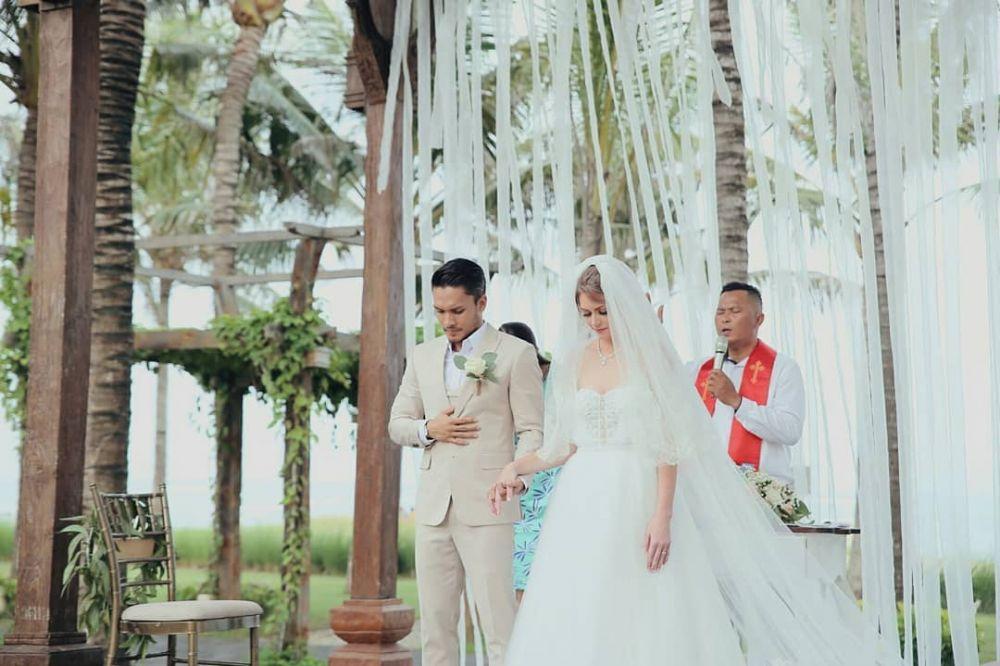 foto pernikahan randy pangalila  © 2019 brilio.net berbagai sumber