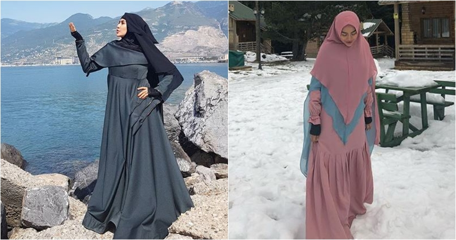 10 Inspirasi gaya Cinta Penelope kenakan gamis dan hijab syar'i