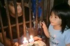 Momen pilu anak rayakan ultah ayahnya di penjara, bikin sedih