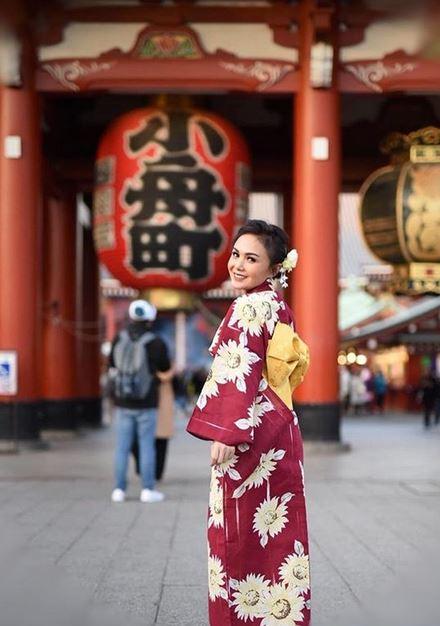 yuni shara liburan jepang instagram