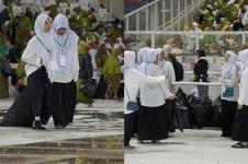 10 Aksi pasukan semut bersihkan sampah di Harlah ke-73 Muslimat NU