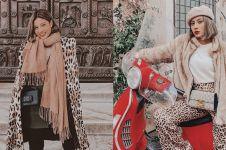 Harga 11 outfit Awkarin saat di Eropa, ada yang setara motor