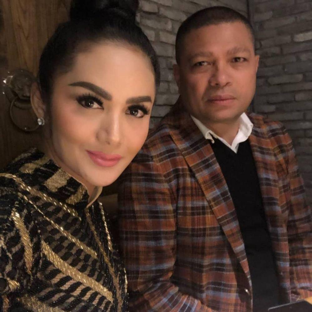 Momen Krisdayanti temani suami istimewa