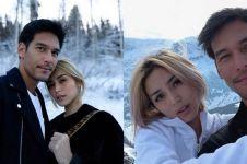 10 Momen Jedar & pacar liburan di gunung es, berani buka baju