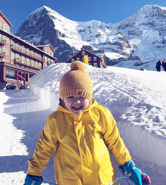 liburan jedar di gunung es instagram