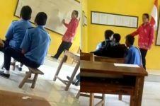 Viral siswa main 'kuda-kudaan' saat guru mengajar, bikin miris