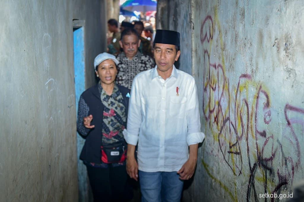 Tanggapan Jokowi untuk pengkritik proyek tol, tak mahir ekonomi